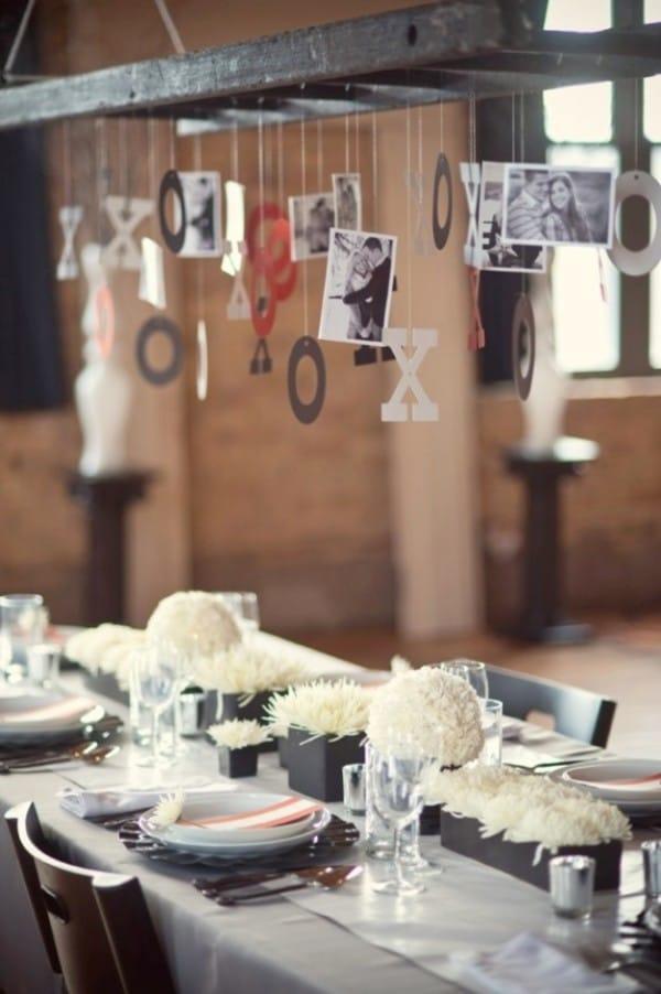back-white-red-retro-wedding-decor-35-e1297220396775-600x902